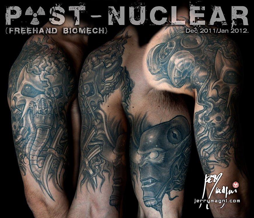 Tatuaggio biomeccanico alieno mostri. Jerry Magni. La Decima Arte. Bergamo